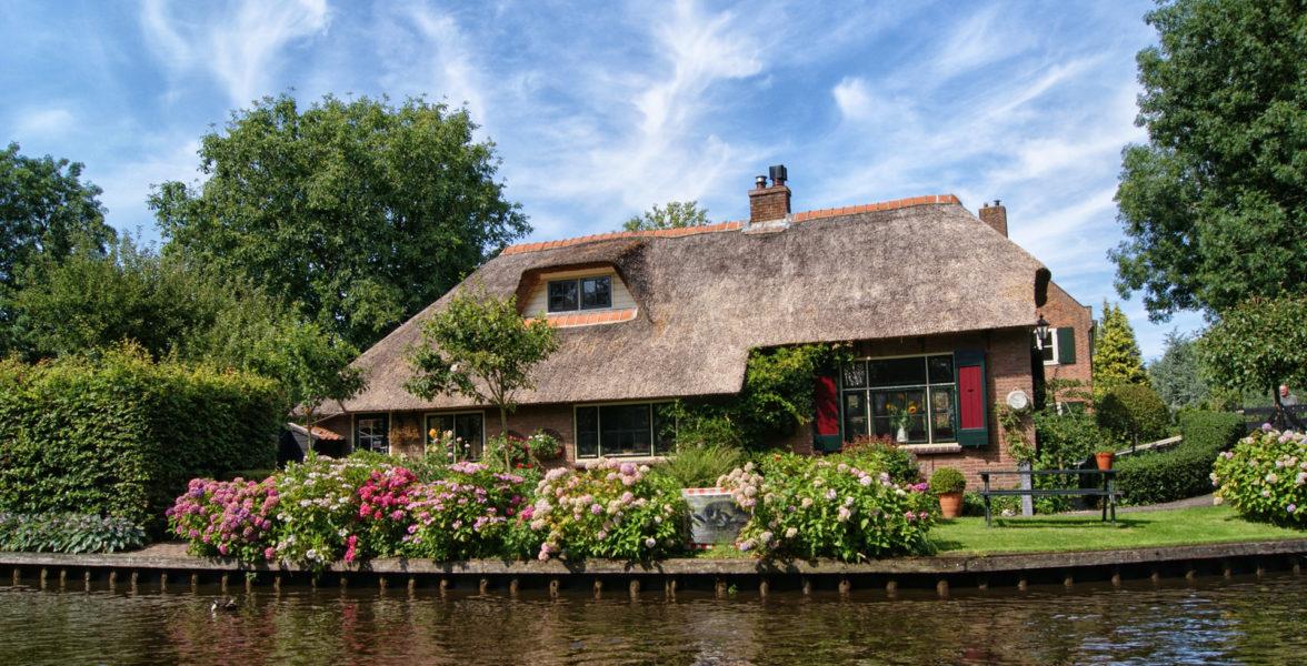 Top-Leistungen für Ihr Haus. Wir bieten Ihnen eine maßgeschneiderte Absicherung für Ihren Grundbesitz