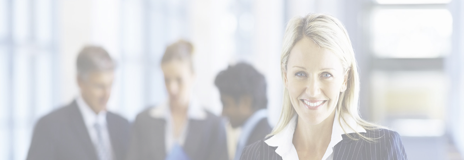 Ein wesentlicher Baustein für unseren Erfolg sind hervorragend qualifizierte, motivierte Mitarbeiter. Über gesamtes Unternehmen hinweg können wir auf ein eingespieltes Team zählen.